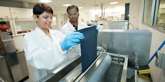 No Fuzz: New Deakin treatment does away with fabric pilling
