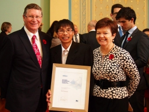 The Premier, Denis Napthine (left), Associate Professor Dinh Phung from PRaDA, and Vice-Chancellor, Professor Jane den Hollander.