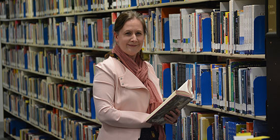Deakin librarian enjoys best of both worlds