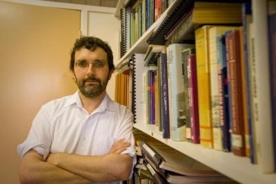 Dr Geoff Robinson