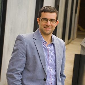 Dr Gery Karantzas
