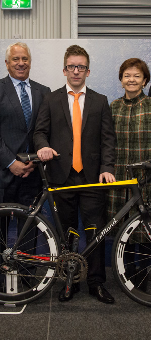 From left: Greg LeMond, founder and CEO of LeMond Composites, Deakin PhD student Maxime Maghe and Deakin Vice-Chancellor Professor Jane den Hollander AO.