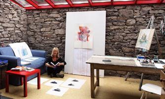Portrait of Dr Gillian Turner