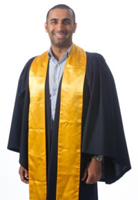 how to wear graduation regalia unimelb