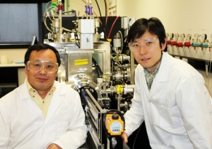 Professor Ying (Ian) Chen (left) and Dr Luhua Li in the Nanotechnology Laboratory.